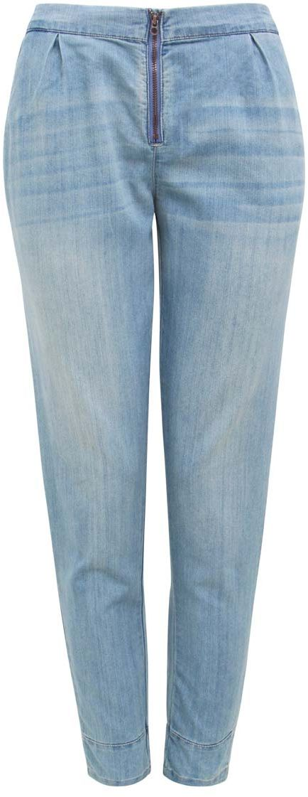 Джинсы женские oodji Denim, цвет: синий джинс. 12105004/18361/7500W. Размер 25 (40)12105004/18361/7500WМодные женские джинсы свободного кроя oodji Denim выполнены из хлопка с добавлением полиэстера. Джинсы со стандартной посадкой и резинкой в поясе застегиваются на скрытую пуговицу и застежку-молнию. Спереди расположены два прорезных кармана, задняя сторона дополнена имитацией карманов.