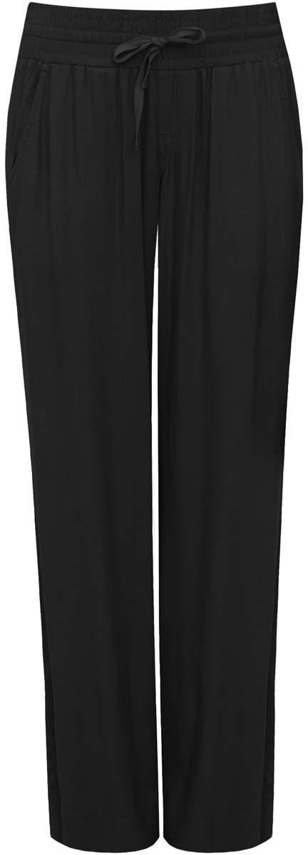 Брюки женские oodji Ultra, цвет: черный. 11701017-5/19891/2900N. Размер 34-170 (40-170)11701017-5/19891/2900NСтильные женские брюки oodji Ultra выполнены из качественной вискозы. Модель со средней посадкой в поясе изготовлена на широкой резинке и дополнена шнурком-завязкой. По бокам изделие дополнено втачными карманами.