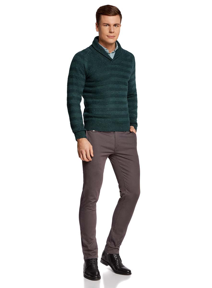 Пуловер мужской oodji Lab, цвет: темно-зеленый меланж. 4L207016M/44407N/6900M. Размер XXL (58/60)4L207016M/44407N/6900MТеплый мужской пуловер oodji Lab изготовлен из качественной комбинированной пряжи. Модель с отложным воротником и длинными рукавами-реглан. Выполнен пуловер стильными вязанными полосками. Манжеты на рукавах, низ изделия и воротник связаны резинкой.