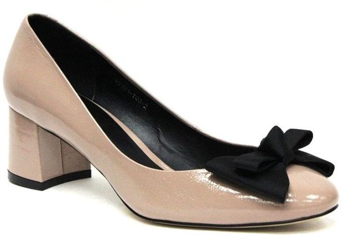 Туфли женские Graciana, цвет: бежевый. W2121-T03-2. Размер 38W2121-T03-2Женские туфли от Graciana на невысоком устойчивом каблуке выполнены из натуральной лаковой кожи. Модель на подъеме декорирована бантиком. Подкладка, изготовленная из натуральной кожи, обладает хорошей влаговпитываемостью и естественной воздухопроницаемостью. Стелька из натуральной кожи гарантирует комфорт и удобство стопам. Подошва из тунита износоустойчива и обеспечивает хорошее сцепление с поверхностью.