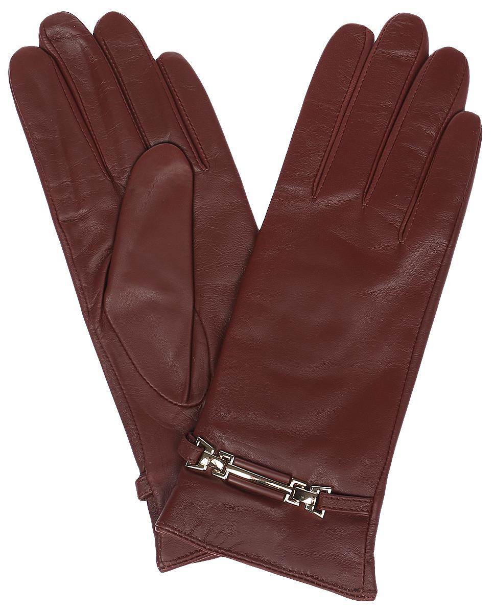 Перчатки женские Labbra, цвет: красно-коричневый. LB-0306. Размер 6,5LB-0306Стильные женские перчатки Labbra выполнены из натуральной кожи и дополнены эластичными резинками, которые надежно зафиксируют модель на запястье. Модель оформлена декоративным ремешком с металлическими вставками. Внутренняя поверхность выполнена из шерсти и акрила, которые обеспечат тепло и комфорт.
