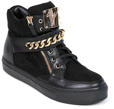 Ботинки женские Lk Collection, цвет: черный. H520-R2101PU. Размер 36H520-R2101PUЖенские ботинки на плоской подошве выполнены из сочетания искусственной кожи и искусственной замши. Модель на ноге фиксируется при помощи классической шнуровки и застежки молнии, а также дополнена хлястиком на липучке. Стелька и внутренний материал выполнены из байки.