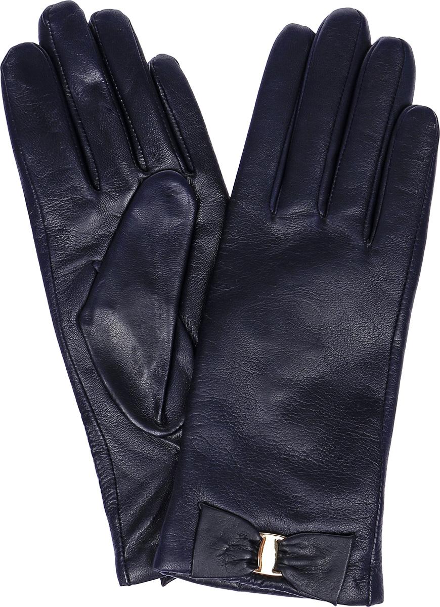 Перчатки женские Labbra, цвет: темно-синий. LB-0305. Размер 7,5LB-0305Женские перчатки Labbra выполнены из натуральной кожи. Внутренняя поверхность модели изготовлена из шерсти и акрила, которые обеспечат тепло и комфорт. Оформлены перчатки элегантным бантиком с металлической пластиной.
