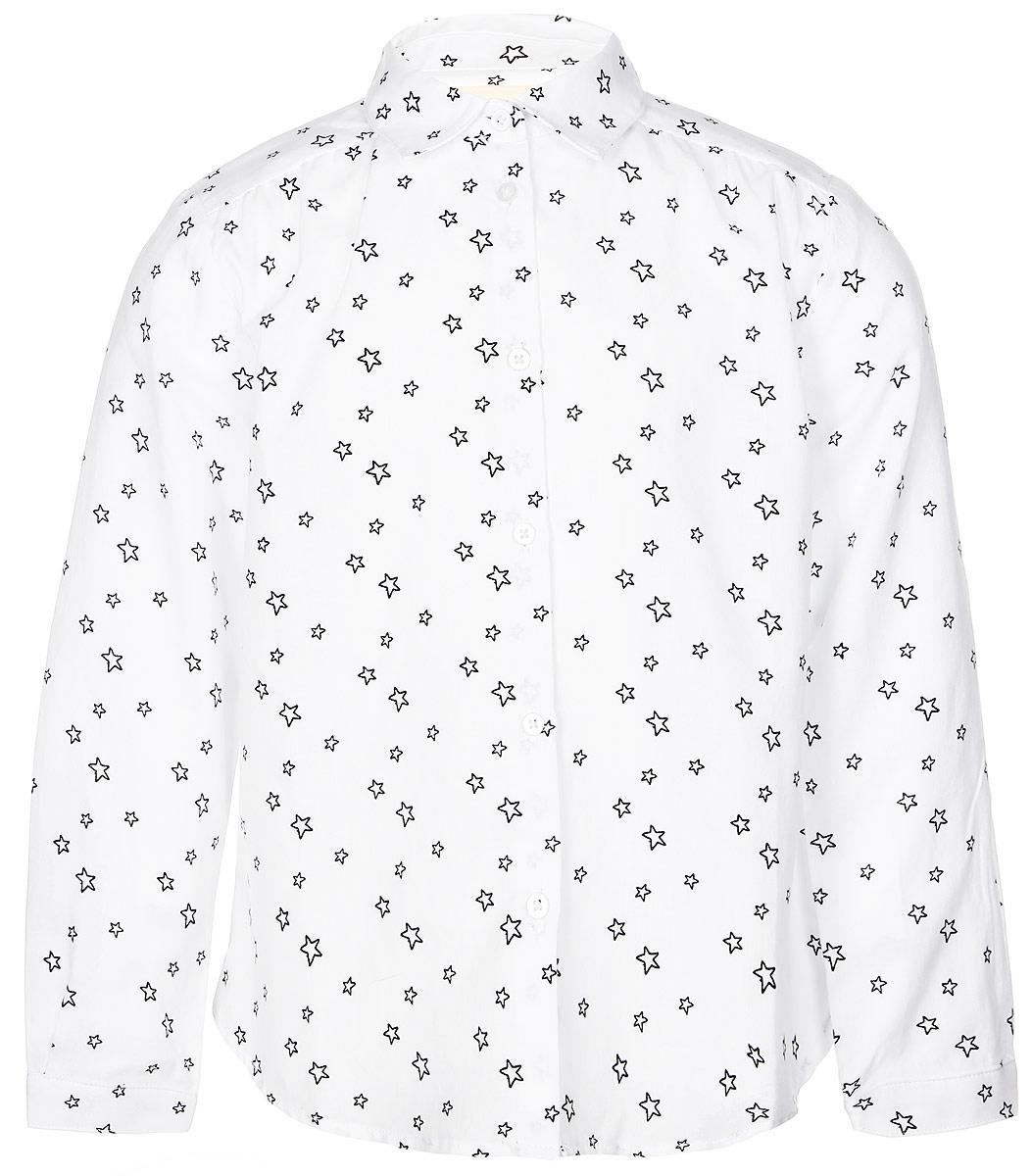 Рубашка для девочки Button Blue, цвет: белый, черный. 216BBGC22010201. Размер 104, 4 года216BBGC22010201Стильная рубашка Button Blue выполнена из натурального 100% хлопка. Модель свободного трапециевидного кроя с длинными рукавами и отложным воротником застегивается на пуговицы по всей длине и оформлена оригинальным звездным принтом. На манжетах предусмотрены застежки-пуговицы. Спинка немного удлинена.