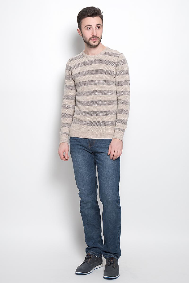 Джемпер мужской Sela, цвет: бежевый, коричневый. JR-214/1013-7121. Размер M (48)JR-214/1013-7121Стильный мужской джемпер выполнен из натурального хлопка. Модель с круглым вырезом горловины и длинными рукавами. Горловина, манжеты и низ изделия связаны резинкой.