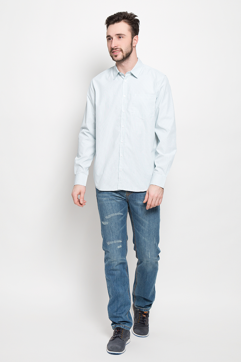 Рубашка мужская Sela, цвет: белый, бирюзовый. H-212/747-7121. Размер 41 (48)H-212/747-7121Мужская рубашка Sela выполнена из полиэстера с добавлением хлопка. Рубашкас длинными рукавами и отложным воротником застегивается на пуговицы спереди. Манжеты рукавов также застегиваются на пуговицы. Рубашка оформлена принтом в мелкую клетку. На груди расположен накладной карман.