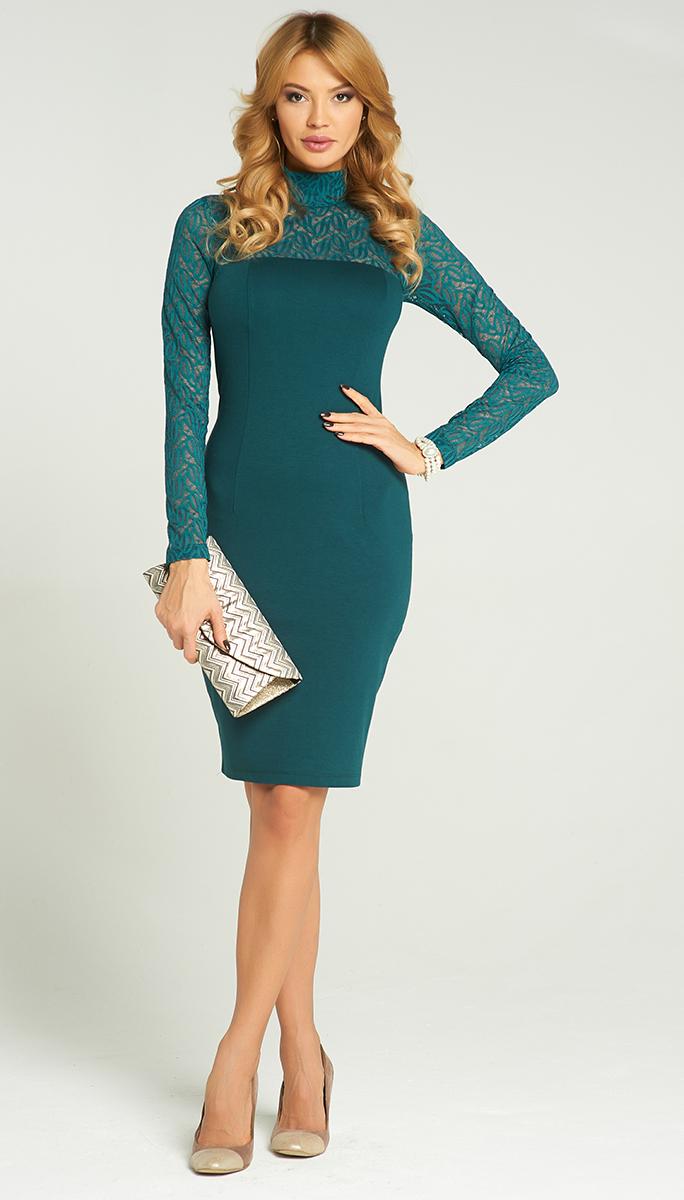 Платье Vittoria Vicci, цвет: темно-изумрудный. VV16-2840. Размер S/M (44)VV16-2840Стильное платье Vittoria Vicci изготовлено из полиэстера с добавлением вискозы и эластана.Модель-миди с воротником-стойкой и длинными рукавами застегивается на скрытую застежку-молнию, расположенную на застежку-молнию. Верх и рукава модели выполнены из кружевного материала. Сзади изделие дополнено разрезом.