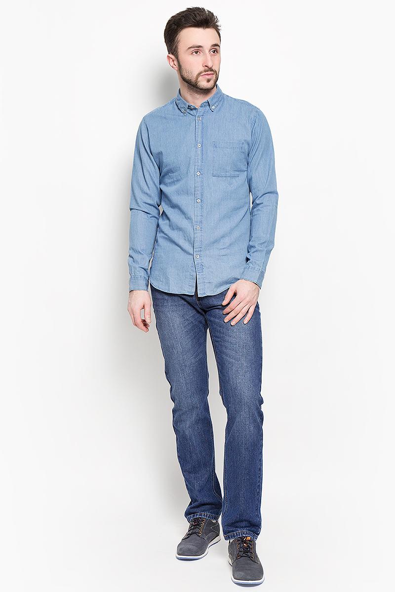Рубашка мужская Selected Homme, цвет: синий. 16048999. Размер M (46)16048999_Light Blue DenimСтильная мужская рубашка Selected Homme изготовлена из высококачественного хлопка.Рубашка с отложным воротником и длинными рукавами застегивается на пуговицы по всей длине. На манжетах и воротнике предусмотрены застежки-пуговицы. Спереди расположен один накладной карман.