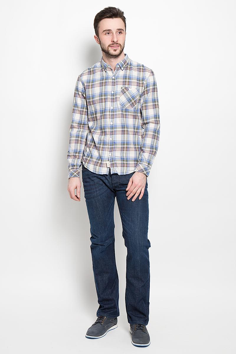 Рубашка мужская Tom Tailor Denim, цвет: оливковый, синий, белый. 2030948.00.12_8452. Размер M (48)2030948.00.12_8452Стильная мужская рубашка Tom Tailor Denim, выполненная из высококачественного хлопкового материала, приятная на ощупь, не сковывает движения, обеспечивая наибольший комфорт. Модель с отложным воротником и длинными рукавами застегивается на пластиковые пуговицы по всей длине. Манжеты изделия застегиваются на пуговицы. Модель с оригинальным клетчатым принтом спереди дополнена нашивным карманом. Эта модная и удобная рубашка послужит замечательным дополнением к вашему гардеробу.