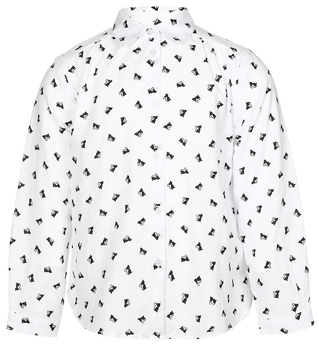 Рубашка для девочки Button Blue, цвет: белый, черный. 216BBGC22010207. Размер 104, 4 года216BBGC22010207Стильная рубашка Button Blue выполнена из 100% хлопка. Модель свободного трапециевидного кроя с длинными рукавами и отложным воротником застегивается на пуговицы по всей длине и оформлена оригинальным принтом с изображением кошек. На манжетах предусмотрены застежки-пуговицы. Спинка немного удлинена.