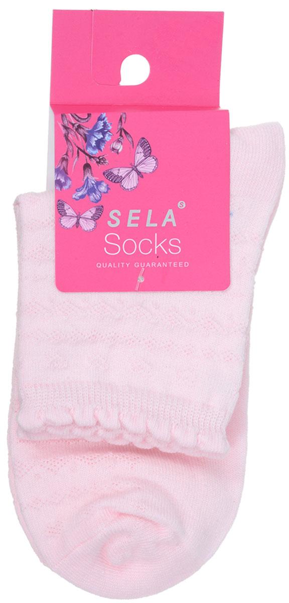 Носки для девочки Sela, цвет: пастельно-розовый. SOb-4/071-7101. Размер 20/22SOb-4/071-7101Удобные носочки для девочки Sela, изготовленные из высококачественного материала, станут отличным дополнением к детскому гардеробу. Благодаря содержанию мягкого хлопка в составе, кожа сможет дышать, а эластан позволяет носочкам легко тянуться, что делает их комфортными в носке. Эластичная резинка плотно облегает ногу, не сдавливая ее,обеспечивая комфорт и удобство. Оформлены носочки стильным принтом. Уважаемые клиенты!Размер, доступный для заказа, является длиной стопы.