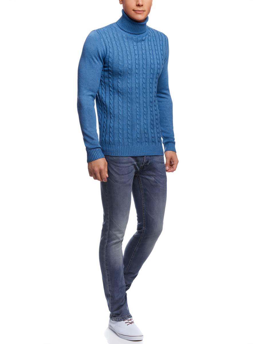 Джинсы мужские oodji Basic, цвет: синий джинс. 6B120037M/45594/7500W. Размер 31-34 (48-34)6B120037M/45594/7500WМужские джинсы oodji Basic выполнены из высококачественного материала. Модель-слим средней посадки по поясу застегивается на пуговицу и имеют ширинку на застежке-молнии, а также шлевки для ремня. Джинсы имеют классический пятикарманный крой: спереди - два втачных кармана и один маленький накладной, а сзади - два накладных кармана.