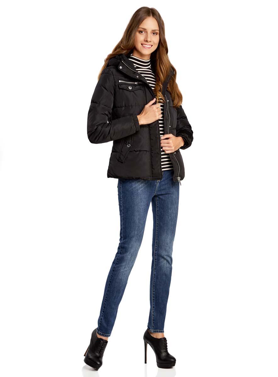 Куртка женская oodji Ultra, цвет: черный. 10203053/43802/2900N. Размер 44-170 (50-170)10203053/43802/2900NЖенская куртка oodji Ultra выполнена из высококачественного материала, в качестве подкладки используется полиэстер. Утеплитель - синтепон. Модель с воротником-стойкой застегивается на застежку-молнию и дополнительно ветрозащитным клапаном на кнопки. Спереди расположено множество карманов.