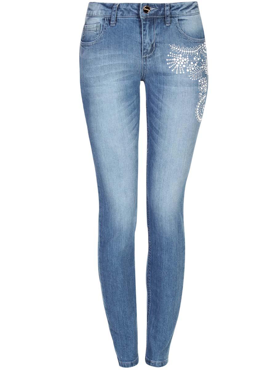 Джинсы женские oodji Ultra, цвет: синий, белый. 12103133/45369/7512P. Размер 26-30 (42-30)12103133/45369/7512PЖенские джинсы oodji Ultra выполнены из высококачественного материала. Модель-скинни средней посадки по поясу застегиваются на пуговицу и имеют ширинку на застежке-молнии, а также шлевки для ремня. Джинсы имеют классический пятикарманный крой: спереди - два втачных кармана и один маленький накладной, а сзади - два накладных кармана. Модель на бедре оформлена декором.