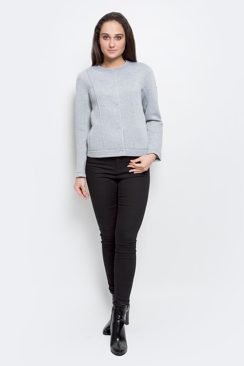 Куртка женская Finn Flare, цвет: светло-серый. B17-12018_210. Размер L (48)B17-12018_210Женская куртка Finn Flare выполнена из 100% полиэстера. Модель с круглым воротником застегивается на кнопки. По бокам изделие дополнено втачными карманами.