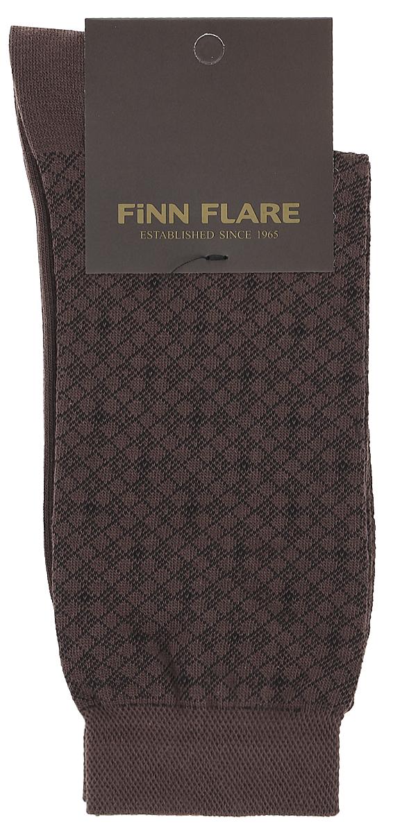 Носки мужские Finn Flare, цвет: темно-коричневый. B17-21117_601. Размер XL (43/44)B17-21117_601Мужские носки Finn Flare изготовлены из высококачественного эластичного хлопка с добавлением полиамида. Удлиненные носки имеют эластичную резинку, которая надежно фиксирует изделие на ноге. Носки оформлены принтом в клетку.