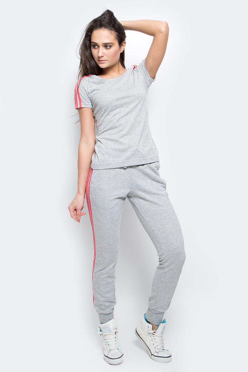 Футболка женкая adidas Ess 3s slim tee, цвет: серый. AY4791. Размер XL (52/54)AY4791Женская футболка из мягкого эластичного трикотажа настолько легкая, что практически не ощущается на теле. Модель выполнена из функциональной ткани и украшена тремя полосками, подчеркивающими спортивный настрой. Ткань с технологией climalite быстро и эффективно отводит влагу с поверхности кожи, поддерживая комфортный микроклимат.