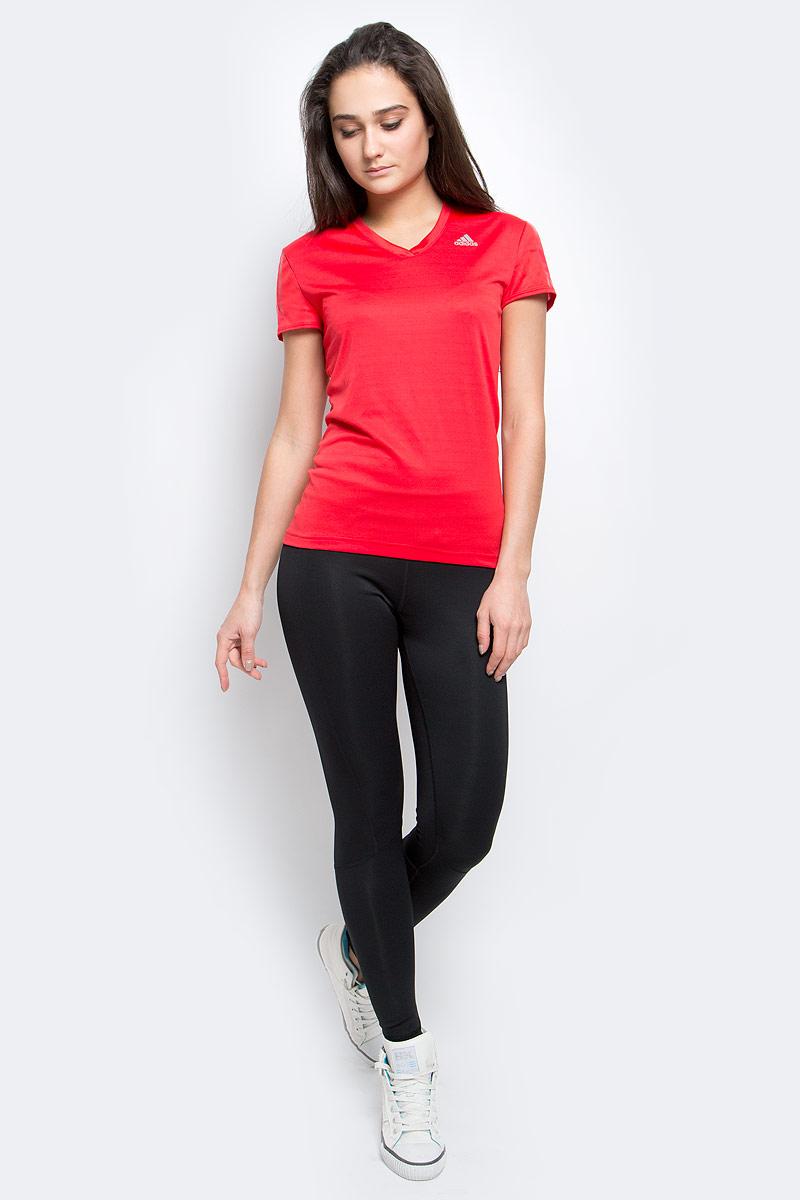 Футболка для бега женская adidas Rs Ss Tee W, цвет: красный. AX6579. Размер XS (40)AX6579Футболка поддержит сухость и комфортную температуру даже при самых интенсивных тренировках. Модель выполнена из высококачественного материала, оформлена логотипом бренда.