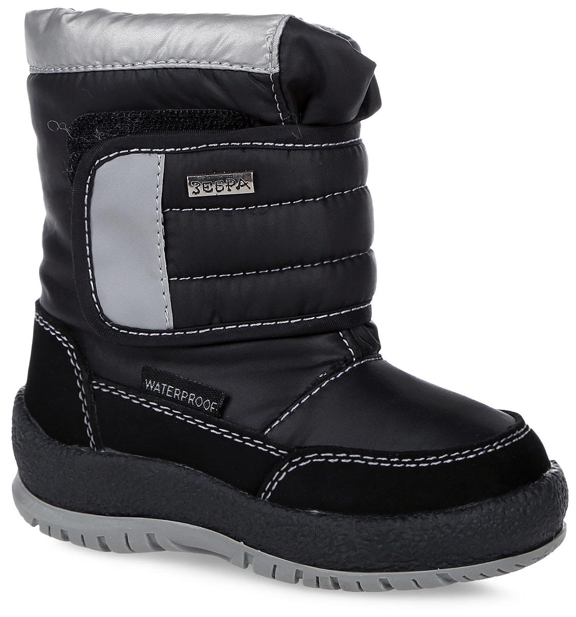 Полусапоги детские Зебра, цвет: черный. 11011-1. Размер 2711011-1Полусапоги от Зебра выполнены из искусственной кожи и текстиля. Застежка-липучка надежно фиксируют модель на ноге. Мягкая подкладка и стелька из шерсти обеспечивают тепло, циркуляцию воздуха и сохраняют комфортный микроклимат в обуви. Подошва оснащена рифлением.