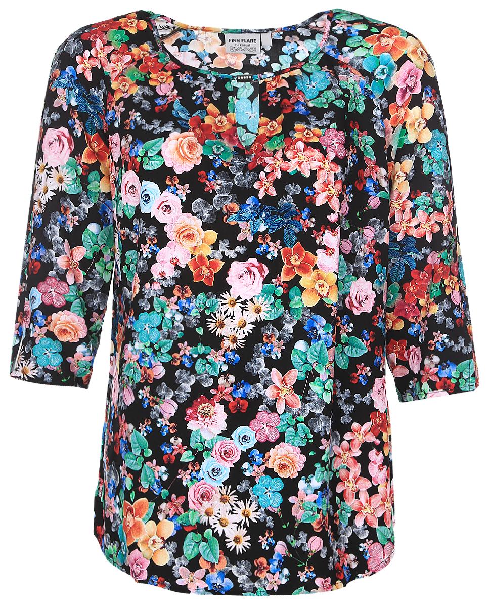 Блузка женская Finn Flare, цвет: черный, зеленый, желтый. B17-11083_200. Размер XXXL (54)B17-11083_200Женская блуза Finn Flare с рукавами-реглан длиной 3/4 и круглым вырезом горловины выполнена из натуральной вискозы. Блузка имеет свободный крой. Модель оформлена небольшим вырезом под горловиной и декорирована красочным цветочным принтом.