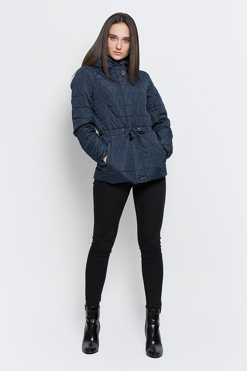 Куртка женская Finn Flare, цвет: темно-синий. B17-32006_101. Размер L (48)B17-32006_101Женская стеганая куртка Finn Flare выполнена из высококачественного полиэстера, не пропускающего воду. Модель со съемным капюшоном застегивается с помощью молнии и кнопок. Куртка имеет два втачных кармана на молнии и эластичную резинку на поясе, которая затягивается с помощью стопперов. Подкладка выполнена из полиэстера.