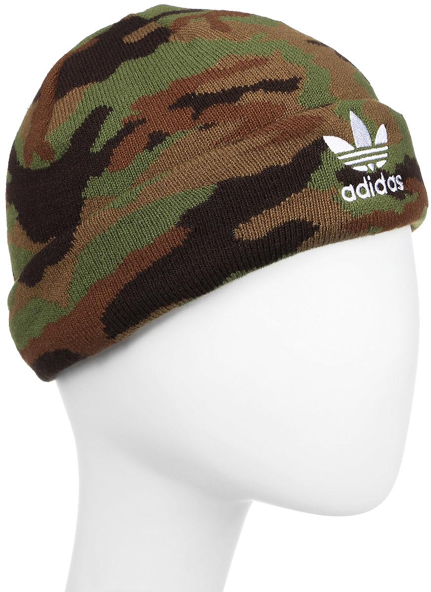 Шапка adidas Graphic Beanie, цвет: хаки. AY9060. Размер 58/60AY9060Шапка Adidas Graphic Beanie выполнена в смелом уличном стиле. Подвернутый край украшен вышитым Трилистником.