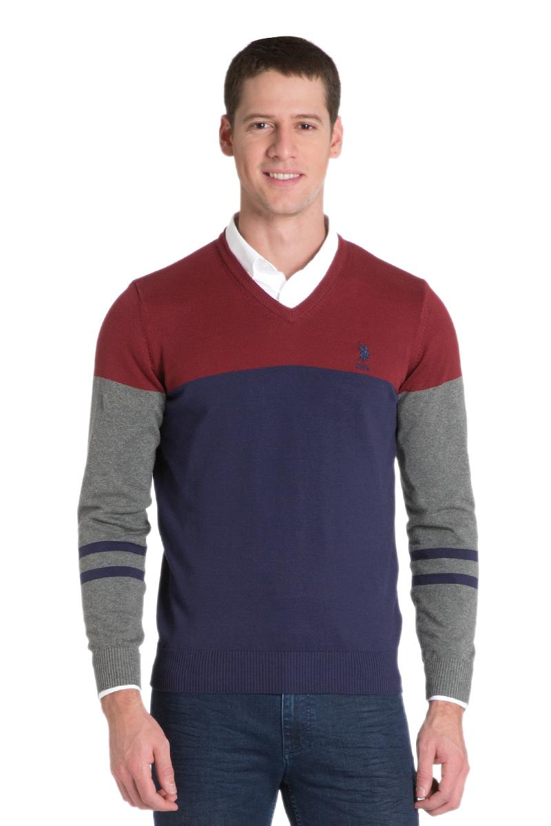 Пуловер мужской U.S. Polo Assn., цвет: красный, синий. G081GL0TK0ALEXIS_KR0215. Размер M (50)G081GL0TK0ALEXIS_KR0215Мужской пуловер с длинными рукавами и V-образным вырезом горловины выполнен из натурального хлопка.