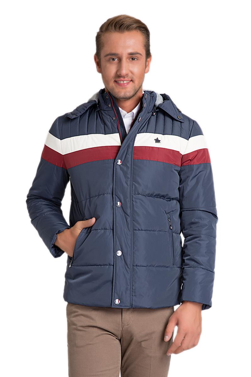 Куртка мужская U.S. Polo Assn., цвет: темно-синий. G081SZ0MSPEMSNOOPK15_VR033. Размер (52)G081SZ0MSPEMSNOOPK15_VR033Стильная мужская куртка с воротником-стойкой и капюшоном застегивается на молнию. Имеется внешняя ветрозащитная планка на кнопках. капюшон пристегивается при помощи молнии. Модель дополнена прорезными карманами на молниях.