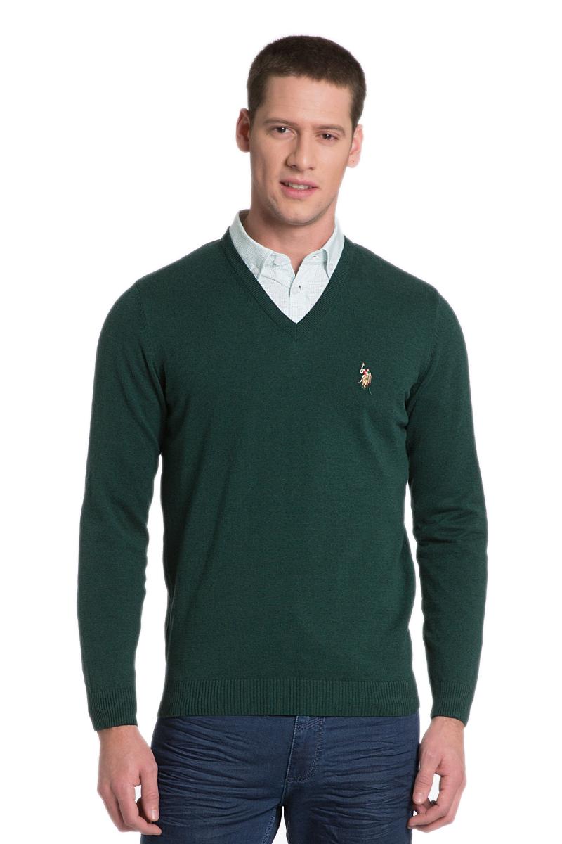 Пуловер мужской U.S. Polo Assn., цвет: зеленый. G081SZ0TK0TD03SK6_VR079. Размер L (52)G081SZ0TK0TD03SK6_VR079Мужской пуловер с длинными рукавами и V-образным вырезом горловины выполнен из натурального хлопка.