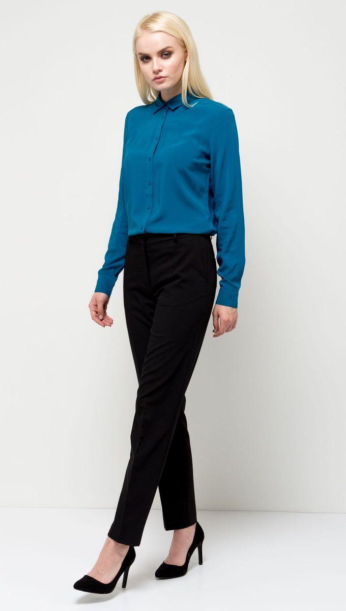 Блузка женская Sela, цвет: бирюзовый. B-112/1184-7131. Размер 44B-112/1184-7131Стильная женская блузка Sela выполнена из воздушного материала. Модель прямого кроя с отложным воротничком и длинными рукавами застегивается на пуговицы. Манжеты рукавов также дополнены пуговицами. Блузка подойдет для офиса, прогулок и дружеских встреч и будет отлично сочетаться с джинсами и брюками и гармонично смотреться с юбками. Мягкая ткань комфортна и приятна на ощупь.