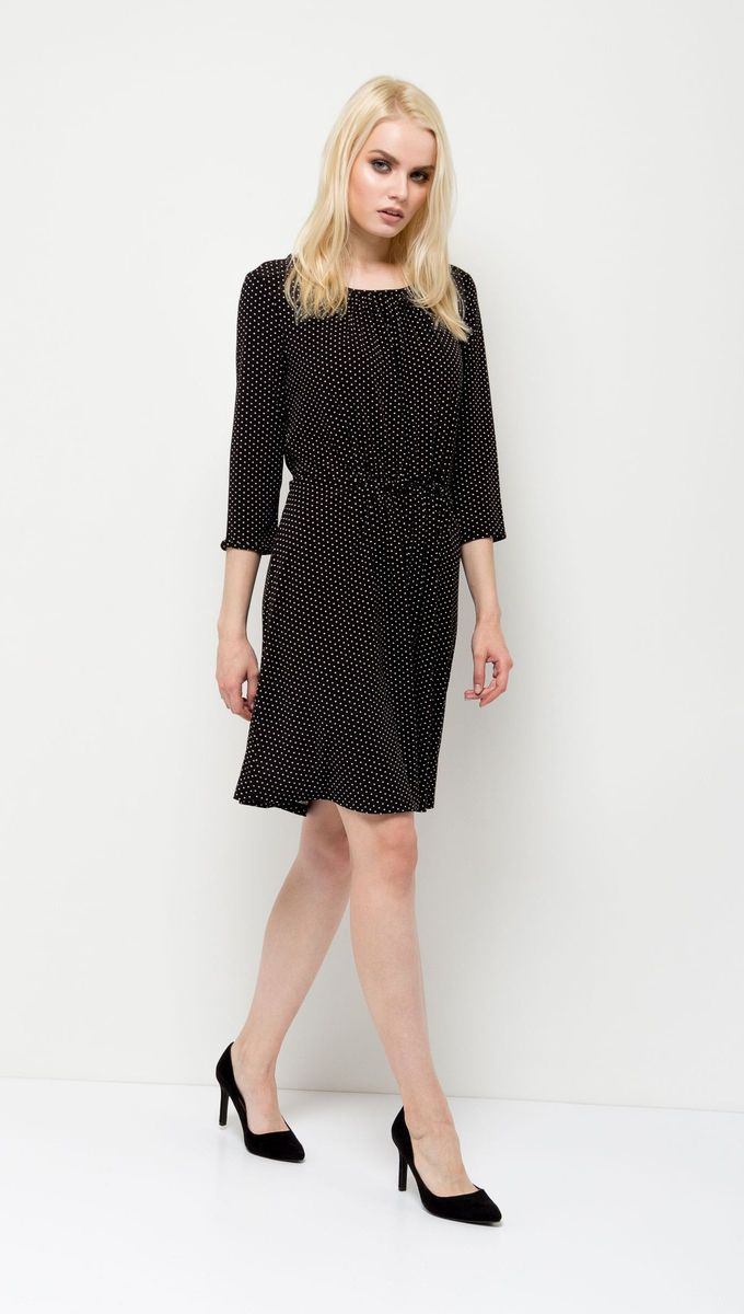 Платье Sela, цвет: черный. DK-117/1117-7131. Размер S (44)DK-117/1117-7131Стильное женское платье Sela выполнено из легкого струящегося материала и оформлено контрастным принтом. Модель приталенного кроя с резинкой на талии и расклешенной юбкой имеет круглый вырез горловины и рукава 3/4. Платье средней длины подойдет для офиса, прогулок и дружеских встреч. Мягкая ткань на основе полиэтера и эластана комфортна и приятна на ощупь.