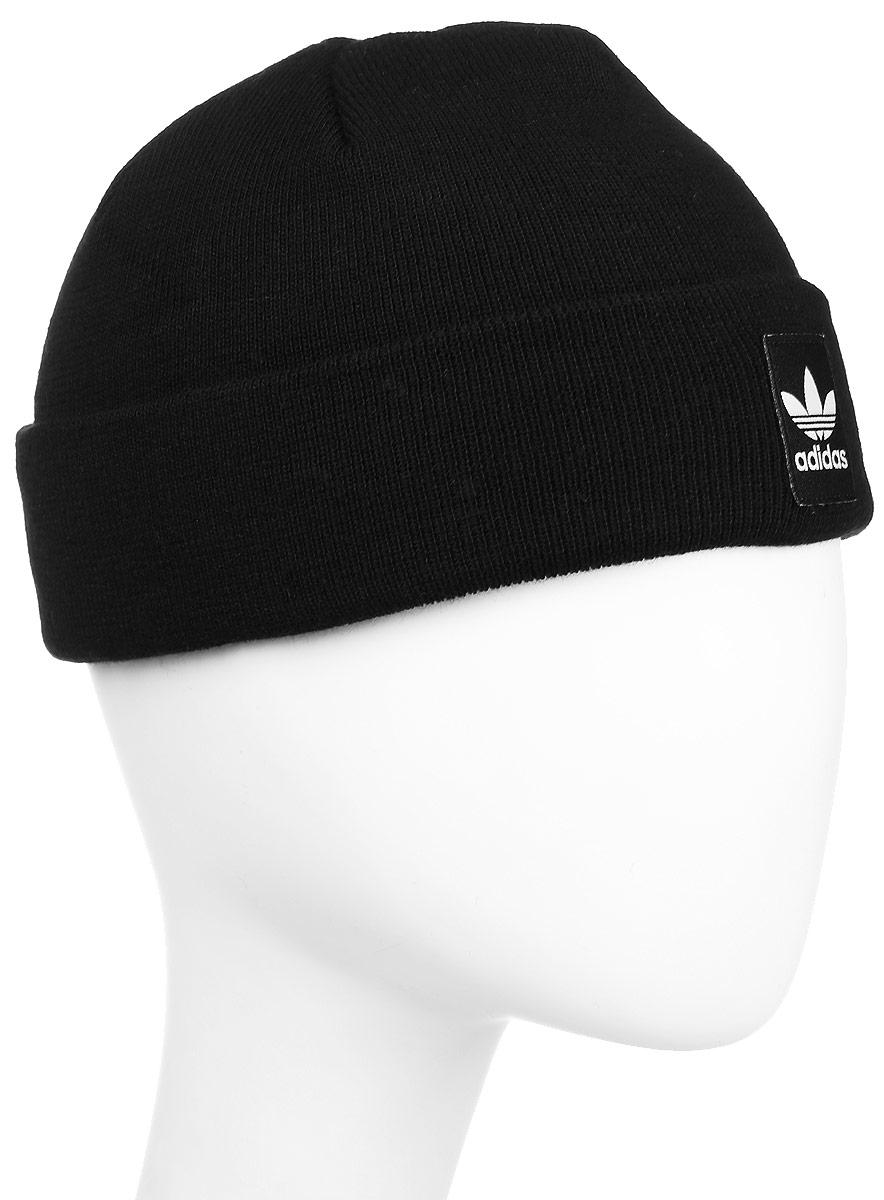 Шапка adidas Rib Logo Beanie, цвет: черный. AY9071. Размер 56/57AY9071Шапка Adidas Rib Logo Beanie - классическая шапка-бини, связанная из мягкой меланжевой пряжи. Три полоски украшают внутреннюю сторону подвернутого манжета. Атласная нашивка с Трилистником на отвороте.