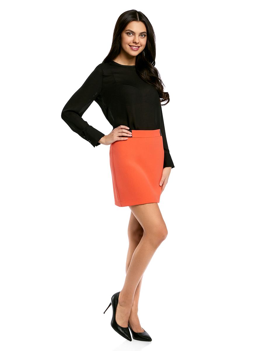 Юбка oodji Ultra, цвет: оранжевый. 11601179-10/46415/5500N. Размер 38-170 (44-170)11601179-10/46415/5500NСтильная мини-юбка выполнена из высококачественного материала. На поясе модель дополнена вставками из искусственной кожи. Сзади юбка застегивается на металлическую застежку-молнию.