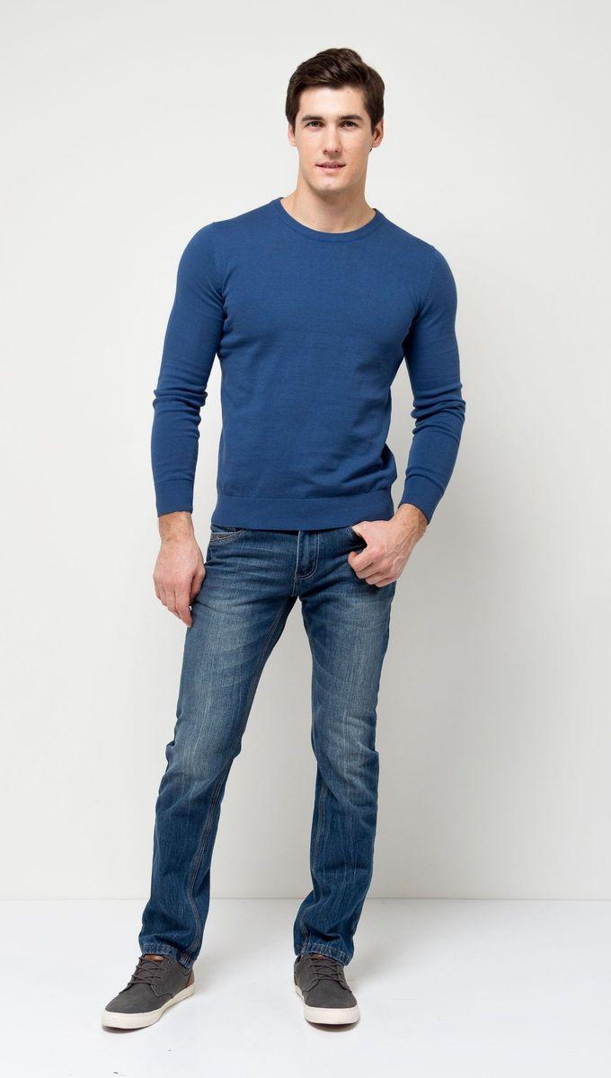 Джемпер мужской Sela, цвет: деним. JR-214/854-7141. Размер M (48)JR-214/854-7141Стильный мужской джемпер Sela выполнен из натурального хлопка мелкой вязки. Модель полуприлегающего кроя с длинными рукавами подойдет для офиса, прогулок и дружеских встреч и будет отлично сочетаться с джинсами и брюками. Мягкая ткань комфортна и приятна на ощупь. Воротник, манжеты рукавов и низ изделия связаны резинкой.