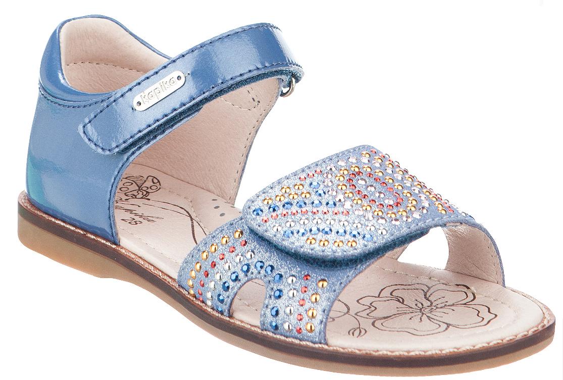 Босоножки для девочки Kapika, цвет: голубой, мультиколор. 33299к-2. Размер 3033299к-2Босоножки Kapika, выполненные из натуральной кожи и экокожи, оформлены выкладкой из страз. На ноге модель фиксируется с помощью хлястика с застежкой-липучкой, который оформлен тисненой надписью с названием бренда. Внутренняя поверхностьи стелька выполнены из натуральной кожи. Стелька дополнена супинатором с перфорацией, который обеспечивает правильное положение ноги ребенка при ходьбе, предотвращает плоскостопие. Подошва изготовлена из прочного и гибкого ТЭП-материала.Поверхность подошвы дополнена рельефным рисунком.