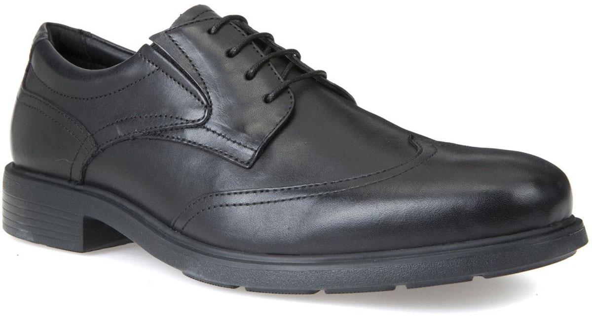 Туфли мужские Geox, цвет: черный. U72R2A00043C9999. Размер 43U72R2A00043C9999Элегантные мужские туфли Geox отлично дополнят ваш деловой образ.Модель выполнена из высококачественной натуральной кожи. Умеренной высоты каблук и подошва с рифлением обеспечивают отличное сцепление с поверхностью.Стильные туфли займут достойное место среди вашей коллекции обуви.