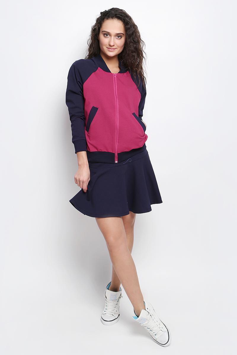 Комплект женский Rocawear: толстовка, юбка, цвет: фуксия, темно-синий. R031637. Размер XS (42)R031637Женский комплект Rocawear включает в себя юбку и толстовку. Все элементы комплекта выполнены из хлопка с добавлением полиэстера и лайкры.Толстовка с круглым вырезом горловины и длинными рукавами-реглан застегивается на застежку-молнию спереди. Горловина и низ модели дополнены широкими трикотажными вставками. Рукава дополнены эластичными манжетами. Спереди расположены два втачных кармана.Укороченная юбка дополнена широкой эластичной резинкой на талии.