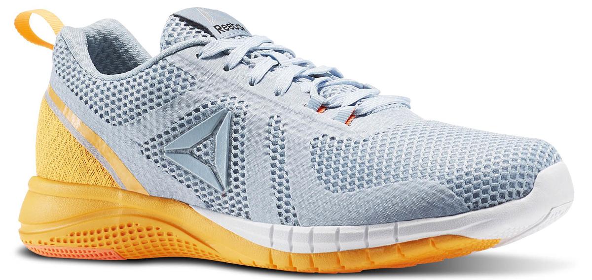Кроссовки женские для бега Reebok Print Run 2, цвет: серый. BD4545. Размер 8,5 (40)BD4545Кроссовки Print Run созданы специально для бега. Независимые подвижные элементы на подошве обеспечивают гибкость и амортизацию каждого шага. Эти универсальные кроссовки - отличный вариант как для любителей скорости, так и для поклонников размеренных пробежек. Легкий сетчатый верх обеспечивает вентиляцию, а поперечные вставки - надежную поддержку. Низкий дизайн не стесняет движений во время самых быстрых переходов. Промежуточная подошва, повторяющая рельеф стопы, из карбонизированного пеноматериала для непревзойденной амортизации. Каркас двойной плотности по внешнему периметру для стабильности. Вставки из углеродистой резины в области пятки для большей прочности. Независимые элементы в основных зонах подошвы для большей гибкости и амортизации. Небольшой жесткий задник, отлично фиксирующий положение пятки.