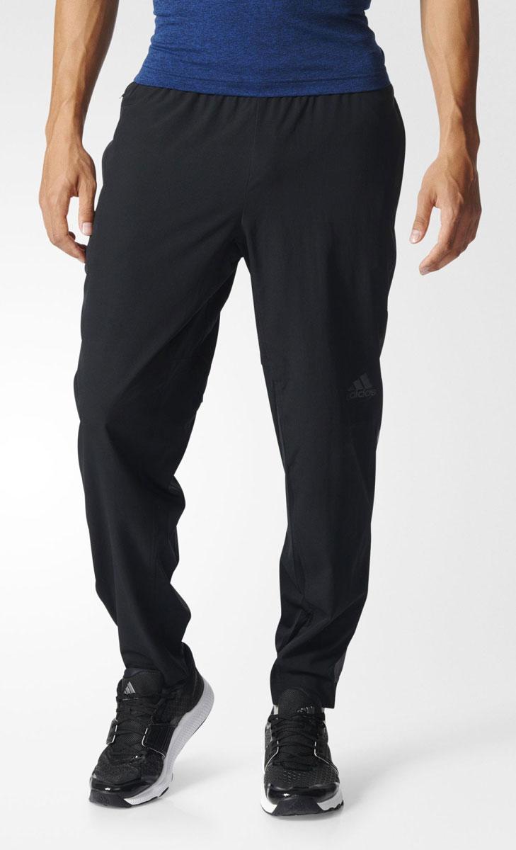 Брюки спортивные мужские adidas Workout Pant Wv, цвет: черный. BK0977. Размер L (52/54)BK0977Брюки спортивные мужские adidas Workout Pant Wv выполнены из 100% полиэстера. Эти мужские брюки обеспечат свежесть в течение всей тренировки. Вентиляция climacool и сетчатая подкладка для безупречного комфорта. В карманы на молнии можно положить ключи и мелкие вещи. Технология climacool сохраняет приятные ощущения прохлады и свежести благодаря специальным сетчатым вставкам.