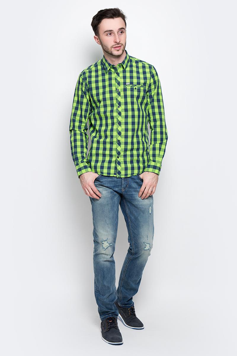 Рубашка мужская Tom Tailor, цвет: синий, салатовый. 2032968.00.10_7492. Размер L (50)2032968.00.10_7492Стильная мужская рубашка Tom Tailor изготовлена из натурального хлопка и оформлена принтом в клетку. Материал очень мягкий и приятный на ощупь, обладает высокой воздухопроницаемостью и гигроскопичностью, позволяет коже дышать.Модель с отложным воротником и длинными рукавами застегивается спереди на пуговицы. Манжеты рукавов также дополнены застежками-пуговицами. Спереди рубашка оформлена втачным карманом с клапаном на пуговице.