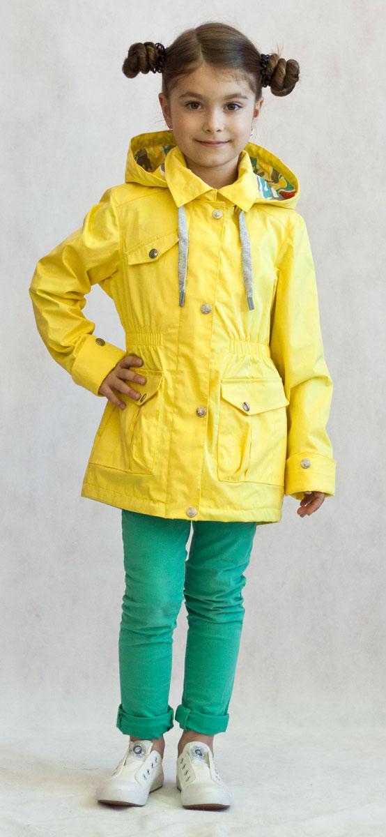 Ветровка для девочки OLDOS Лючия, цвет: желтый. 3К1702-1. Размер 110, 5 лет3К1702Яркая и легкая ветровка от Oldos украсит гардероб юной модницы и пригодится в прохладный солнечный весенний денек. Внешняя ткань из хлопка с водоотталкивающей пропиткой дышит и защищает от ветра. Принтованная подкладка из бязи приятна на ощупь. Модель имеет застежку-молнию, ветрозащитная планка застегивается на кнопки. Отложной воротник оснащен несъемным капюшоном. Объем капюшона можно легко отрегулировать при необходимости. Талия подчеркнута внутренней резинкой, низ куртки затягивается при помощи шнурка. С лицевой стороны имеются вместительные накладные карманы с клапаном на кнопке. Рукава прямые с декоративным отворотом. Модель оснащена светоотражающими элементами для безопасной прогулки в темное время суток. Ветровка подойдет на температуру от +10°С до +20°С.
