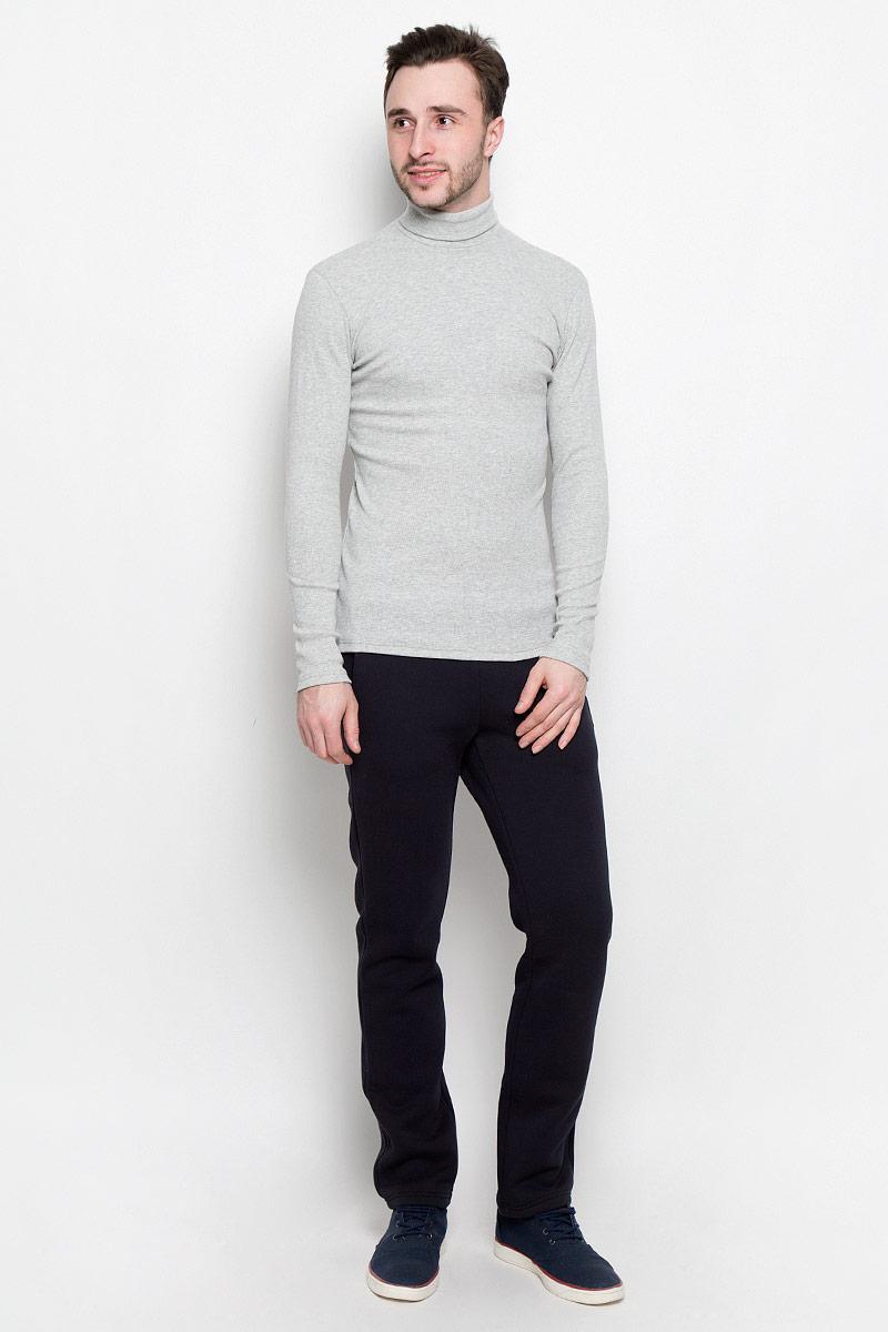 Водолазка мужская Rocawear, цвет: светло-серый. R0416S48. Размер М (48)R0416S48Мужская водолазка Rocawear с длинными рукавами и воротником-гольф выполнена из эластичного хлопка. Изделие связано мелкой резинкой и хорошо тянется.