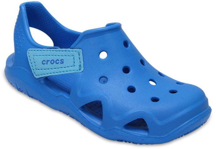 Сандалии для мальчика Crocs, цвет: синий. 204021-456. Размер C11 (28)204021-456Модные сандалии от Crocs очаруют вашего ребенка с первого взгляда! Модель, выполненная из полимера Croslite. Материал Croslite - бактериостатичен, препятствует появлению неприятных запахов и легок в уходе: быстро сохнет и не оставляет следов на любых поверхностях. Рельефная поверхность верхней части подошвы комфортна при движении. Рифленое основание подошвы гарантирует идеальное сцепление с любой поверхностью. Такие сандалии принесут комфорт и радость вашему ребенку.