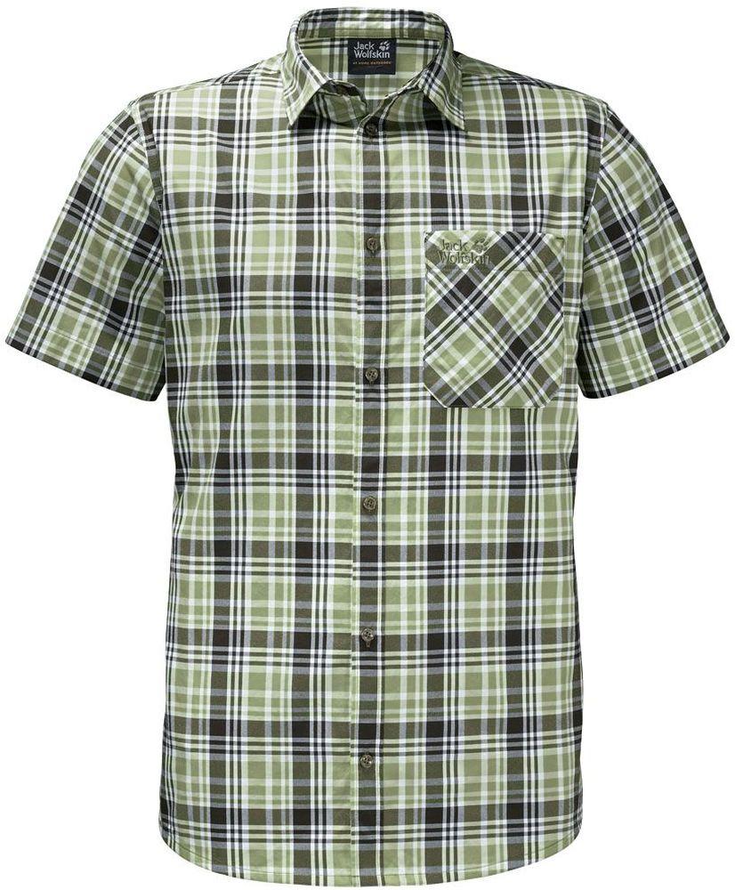 Рубашка мужская Jack Wolfskin Saint Elmos Shirt M, цвет: зеленый. 1401582-7986. Размер M (46)1401582-7986Рубашка мужская Saint Elmos Shirt M изготовлена из 100% полиамида. Ткань легкая и дышащая, кроме того, она быстро сохнет и обладает защитой от ультрафиолета (UPF 30+). Рубашка застегивается на пуговицы, имеет отложной воротник и короткие стандартные рукава. Спереди расположен накладной нагрудный карман, по бокам имеются вшитые карманы. Модель дополнена принтом в клетку и логотипом бренда. Такая рубашка идеально подходит для путешествий в жаркие страны и отдыха на природе.