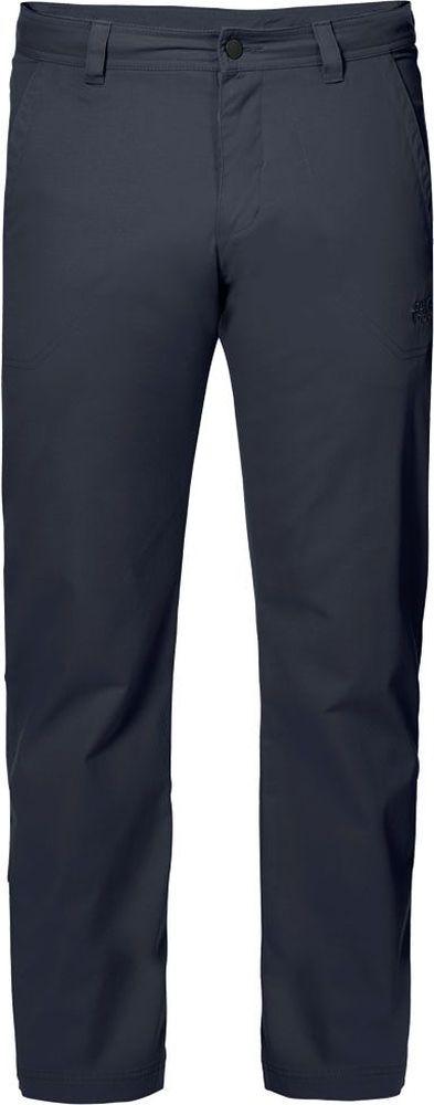 Брюки мужские Jack Wolfskin Drake Pants, цвет: темно-синий. 1503811-1010. Размер 501503811-1010Брюки мужские Drake Pants изготовлены из ткани FUNCTION 65 с высоким содержанием натурального хлопка, что делает изделие мягким и приятным на ощупь. Ткань обладает защитой от влаги и ветра, а также отличается прочностью. Модель имеет прямой силуэт и стандартную талию. Застегивается на ширинку с молнией и пуговицу в поясе, также имеются шлевки для ремня. Брюки имеют два втачных кармана спереди и два накладных кармана сзади. Идеальный вариант для путешествий, хайкинга в горах и повседневной носки.