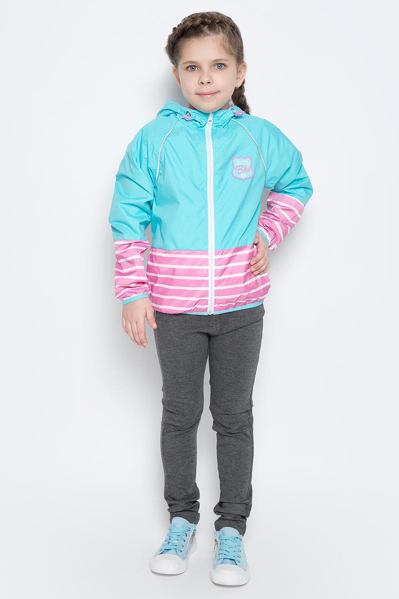 Куртка для девочки Boom!, цвет: бирюзовый, розовый. 70018_BOG_вар.3. Размер 86, 1,5-2 года70018_BOG_вар.3Легкая куртка для девочки Boom! изготовлена из полиэстера с комбинированной подкладкой из полиэстера и поликоттона. Модель с капюшоном застегивается на молнию. Капюшон дополнен резинкой-утяжкой со стопперами. Нижняя часть куртки и рукавов оформлена принтом в полоску. Спереди у модели расположены два прорезных кармана и оригинальная нашивка. Рукава и низ куртки дополнены тонкими резинками.