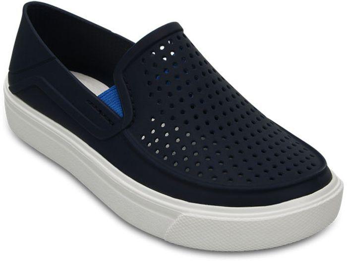 Сабо для мальчика Crocs, цвет: темно-синий. 204026-410. Размер C12 (29)204026-410Сабо для мальчика от Crocs выполнены из термополиуретана. Боковые стороны дополнены вставками из эластичной резинки. Резиновая подошва оснащена рифлением.