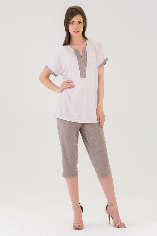Комплект женский Tesoro: футболка, капри, цвет: латте. 437К2. Размер 56437К2Нежный домашний костюм из хлопка включает в себя футболочку с V-образным вырезом и капри.