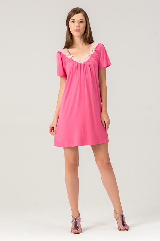 Сорочка женская Tesoro, цвет: малиновый щербет. 453С1. Размер 46453С1Женская ночная сорочка из нежного вискозного полотна. Длина - немного выше колена. Декорирована мягким кружевом.