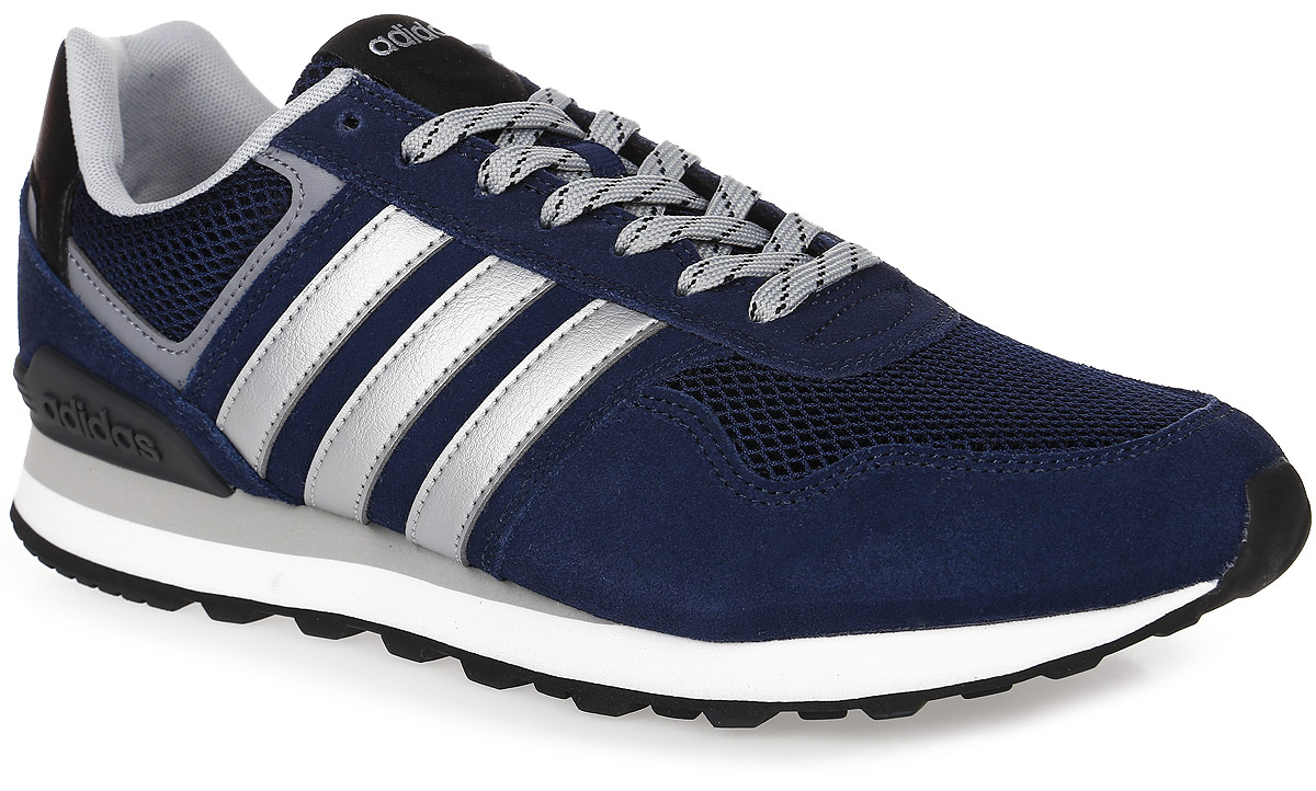 Кроссовки мужские adidas Neo 10K, цвет: темно-синий, серебряный. AW3855. Размер 11 (44,5)AW3855Мужские кроссовки adidas Neo 10K выполнены из натурального замши, искусственной кожи и текстиля. Модель оформлена фирменными нашивками. Шнурки надежно зафиксируют модель на ноге. Внутренняя поверхность из мягкого текстиля комфортна при движении. Стелька выполнена из легкого ЭВА-материала с поверхностью из текстиля. Подошва изготовлена из высококачественной резины и дополнена протектором.
